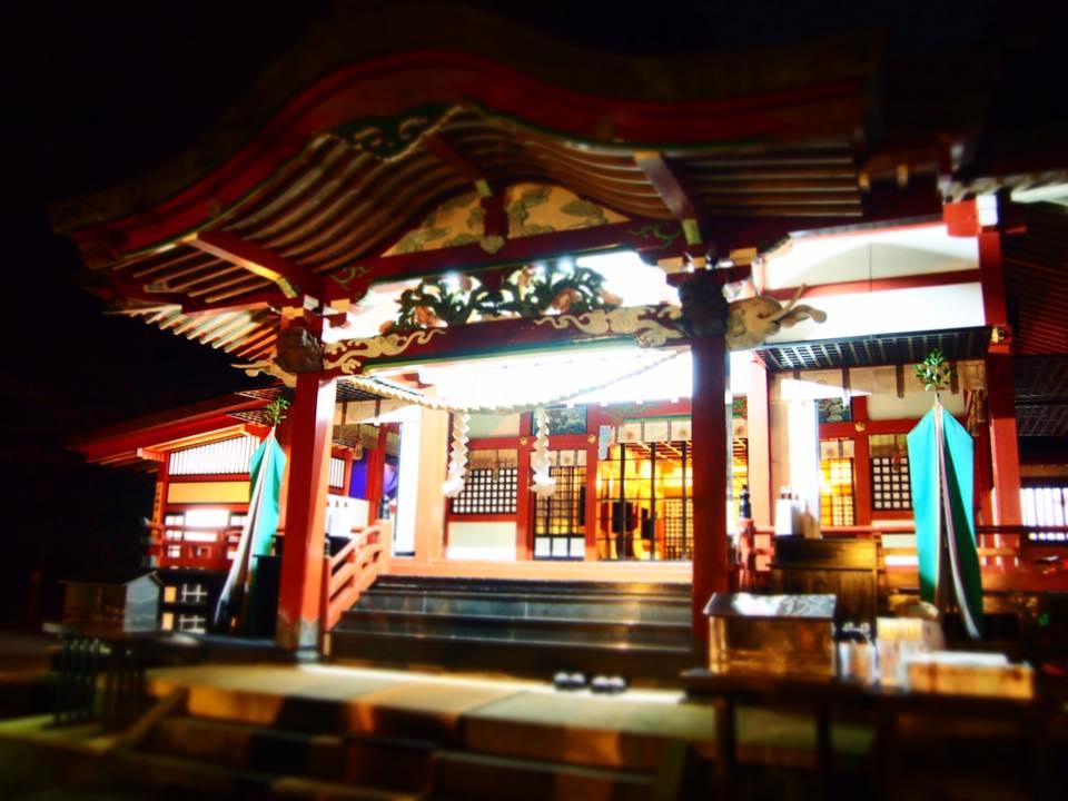 霧島東神社の拝殿