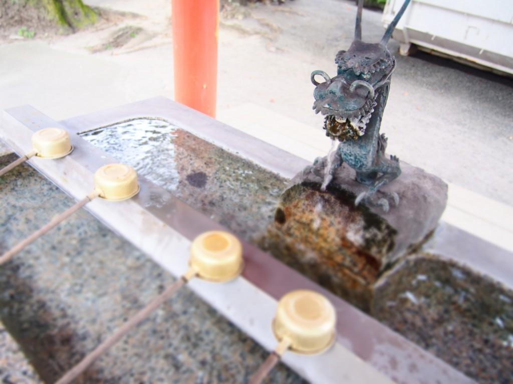 荒田八幡神社の手水