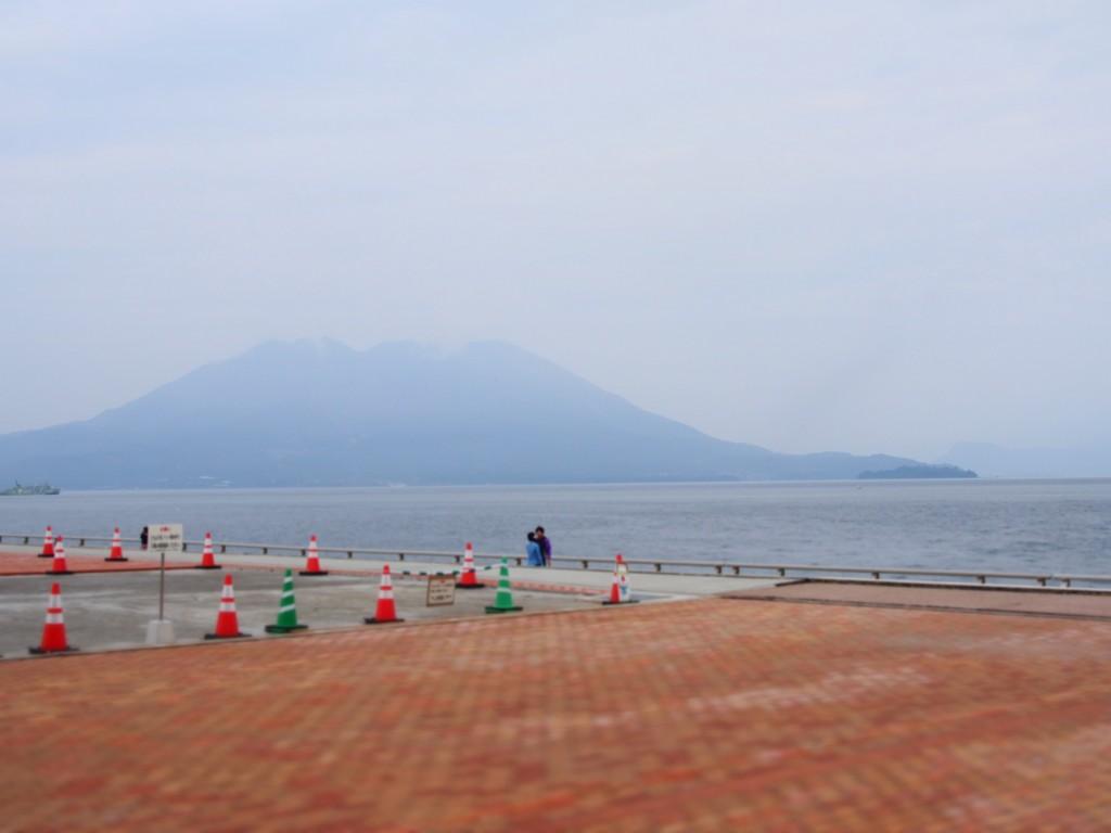 マリンポート桜島から見た桜島