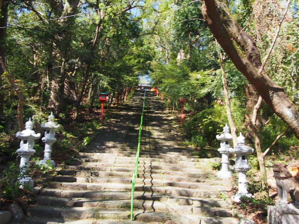 新田神社の階段