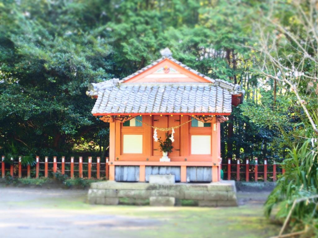 揖宿神社の東之宮