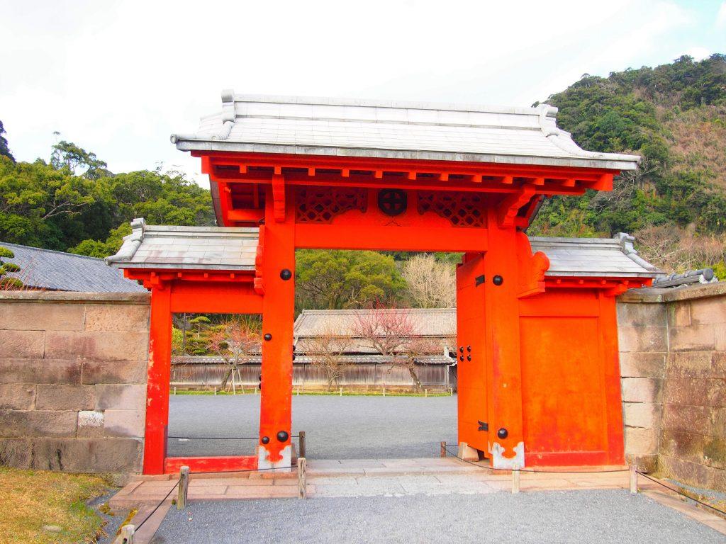 仙巌園の錫門