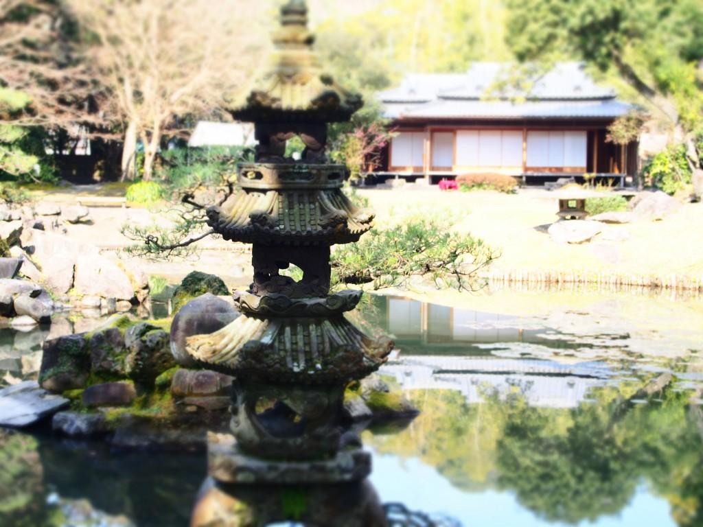 玉里庭園の石灯籠