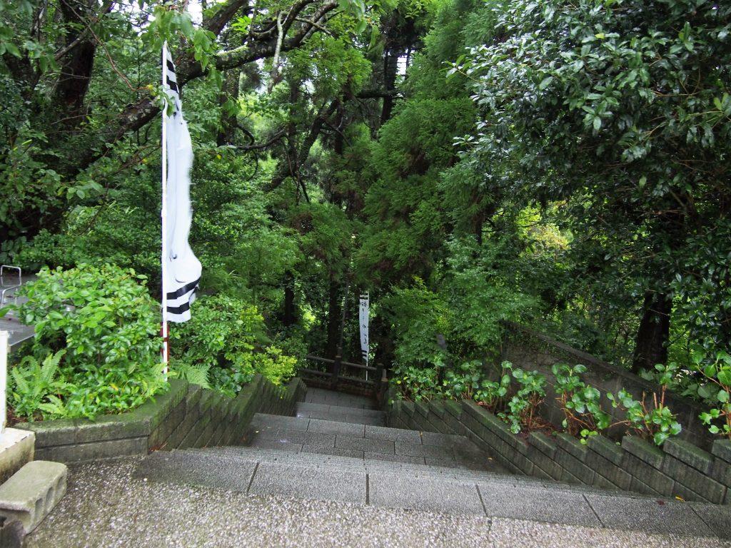 stairs down to tosenkyo