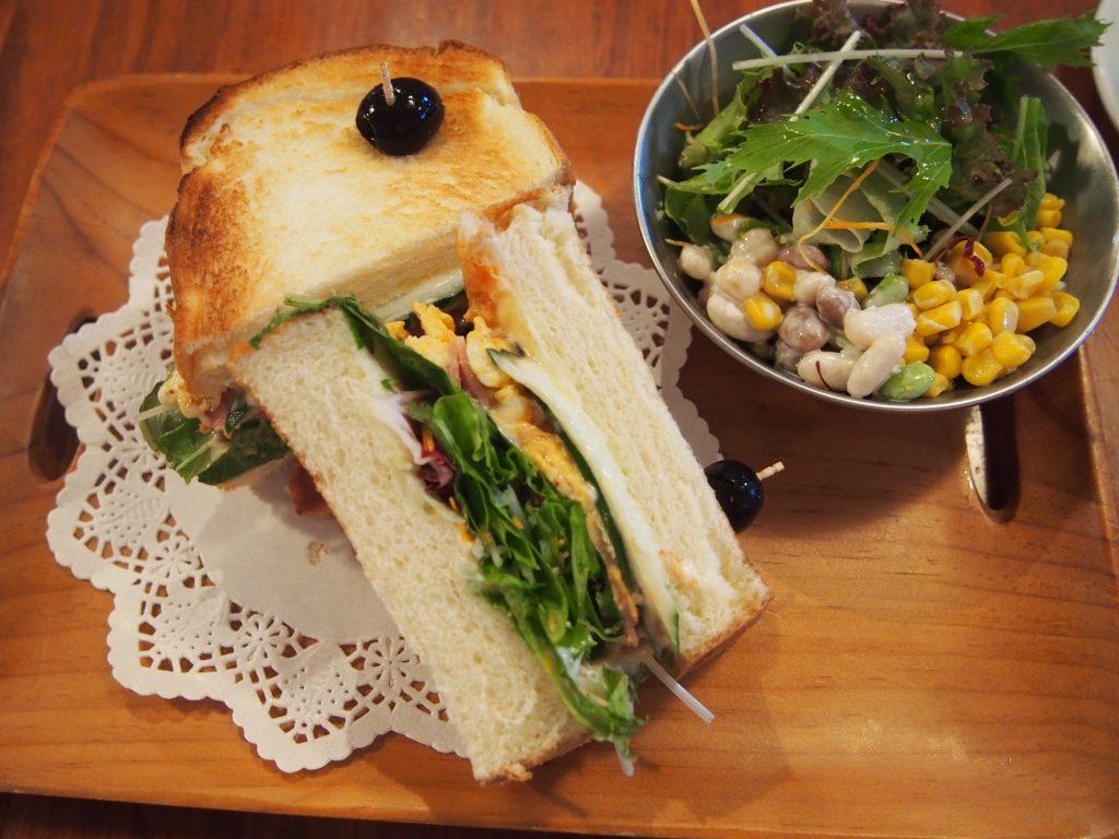 ブレカフェ料理 サンドセット