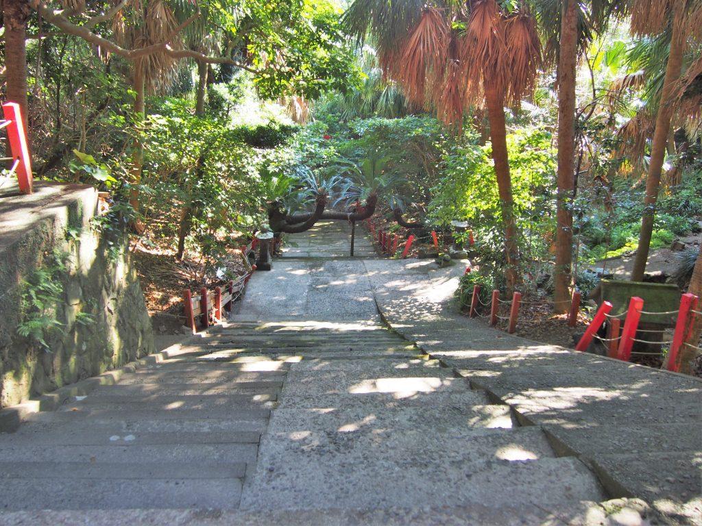 御崎神社の参拝道