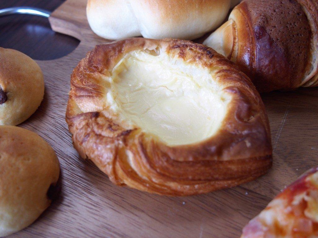 チーズクリームパン