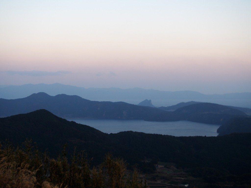 夕暮れの池田湖