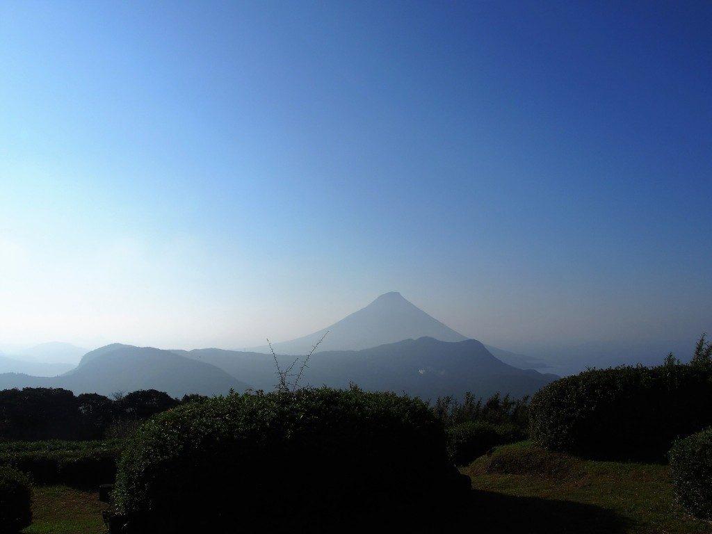 茶寿階段から眺めた開聞岳