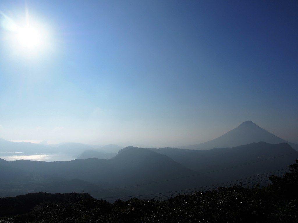 開聞岳と池田湖のツーショット