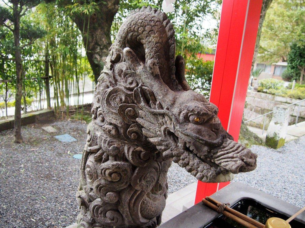 稲荷神社の手水舎