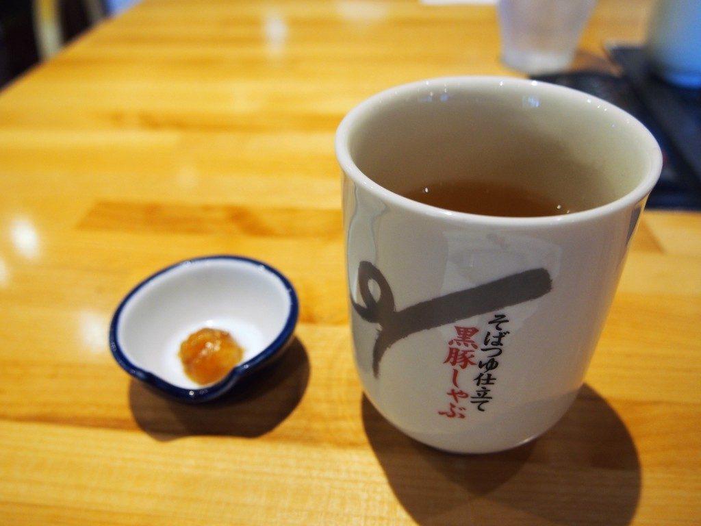 豚味噌とお茶