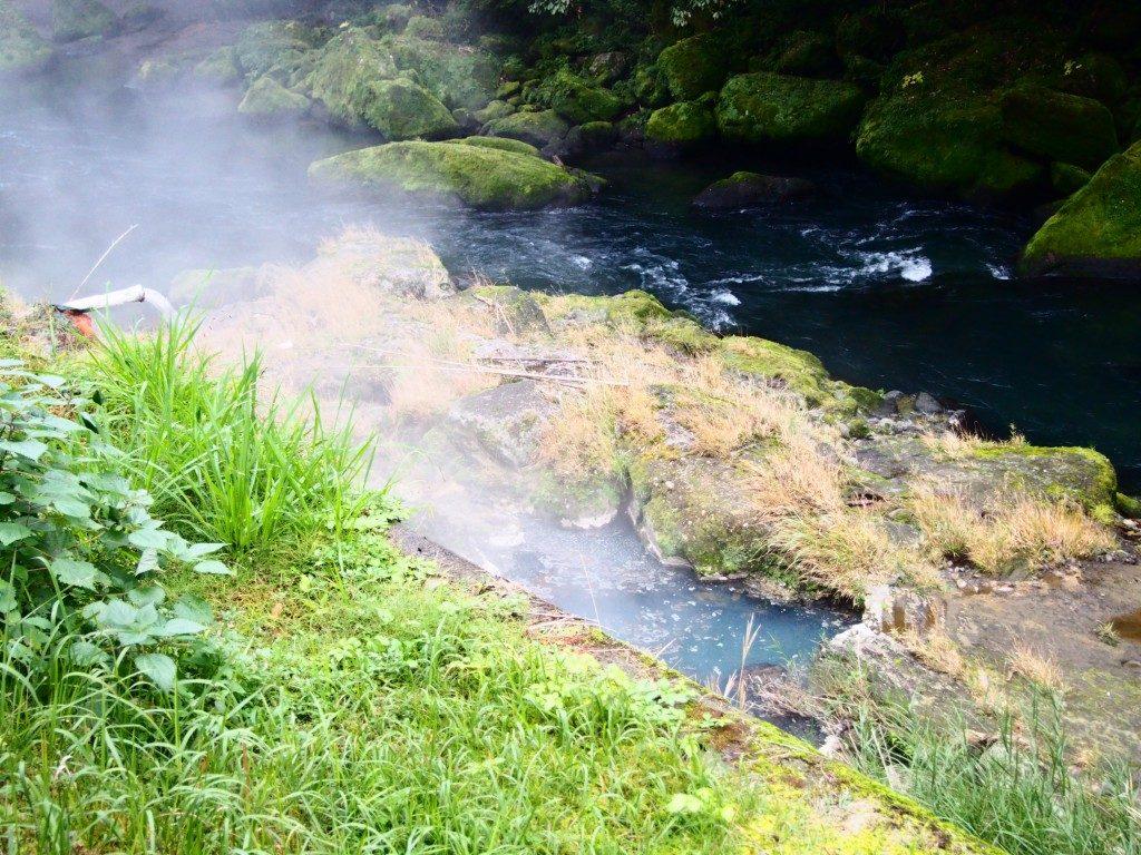 離れの宿の温泉