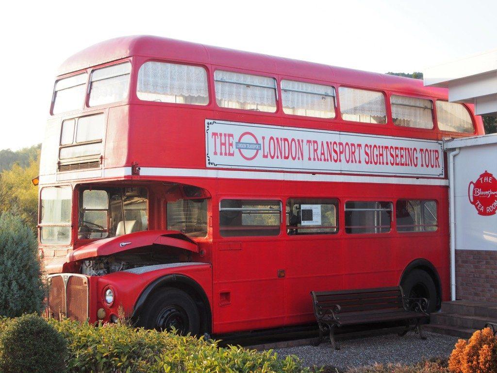 ロンドン交通観光ツアーバス