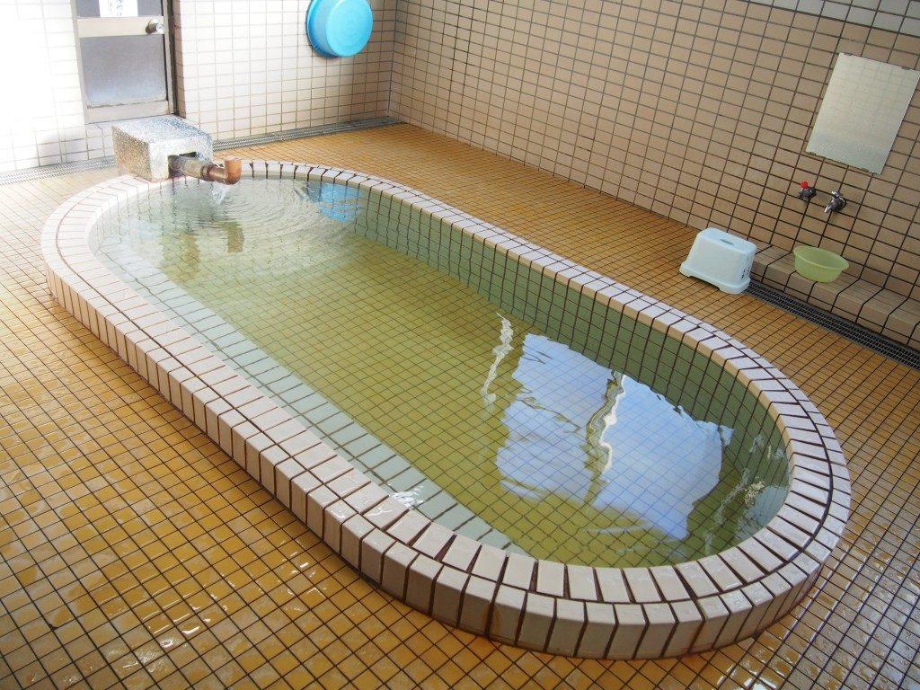 鰻温泉の公衆浴場