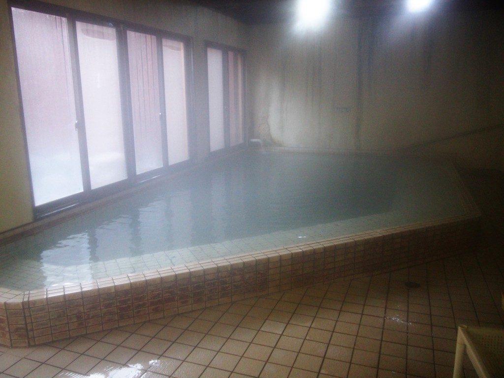 前田温泉カジロが湯の内湯