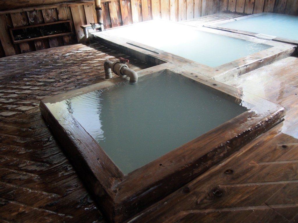 湯之谷山荘の炭酸泉