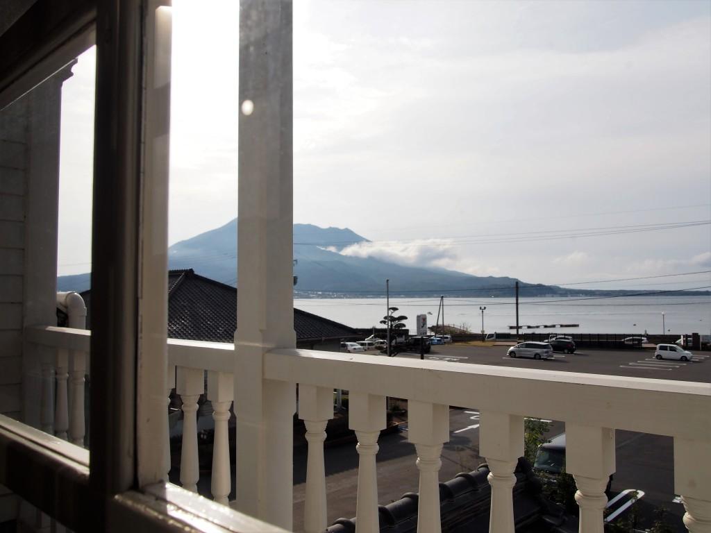 スターバックス鹿児島仙巌園店から眺めた桜島