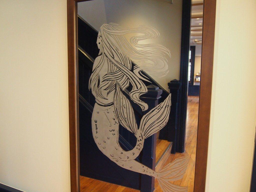 スターバックス鹿児島仙巌園店の鏡