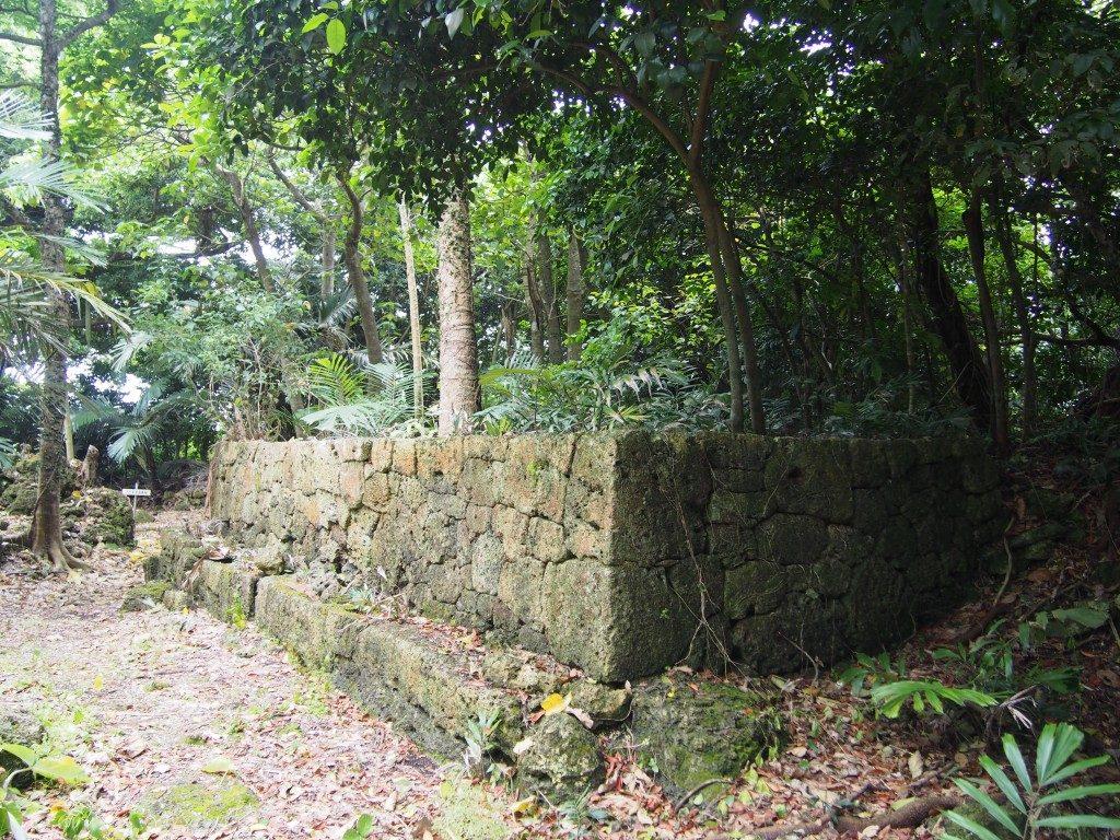 後蘭孫八城の石垣