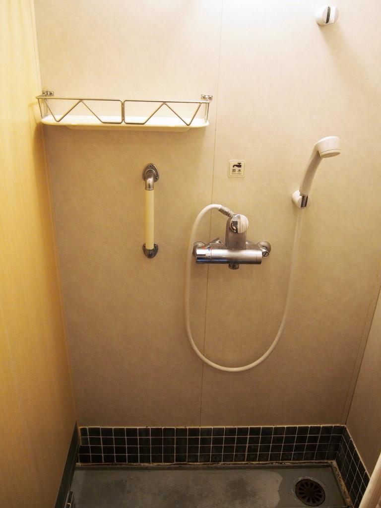 フェリー波之上のシャワー室