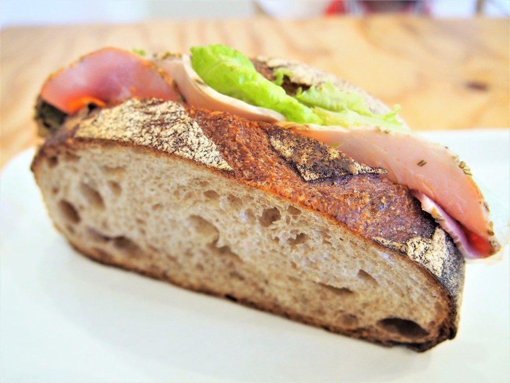 タックバゲリカフェのサンドイッチ