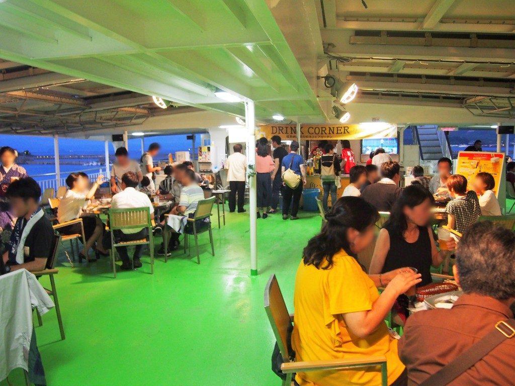 桜島納涼観光船のビアガーデン