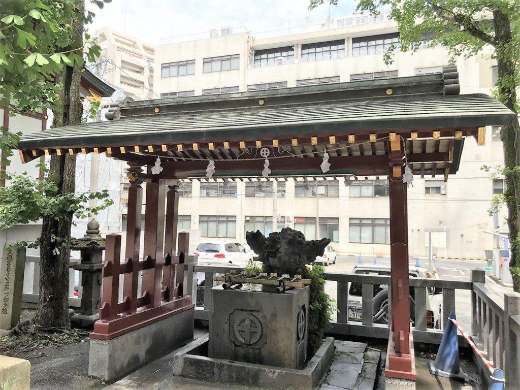 松原神社の手水舎