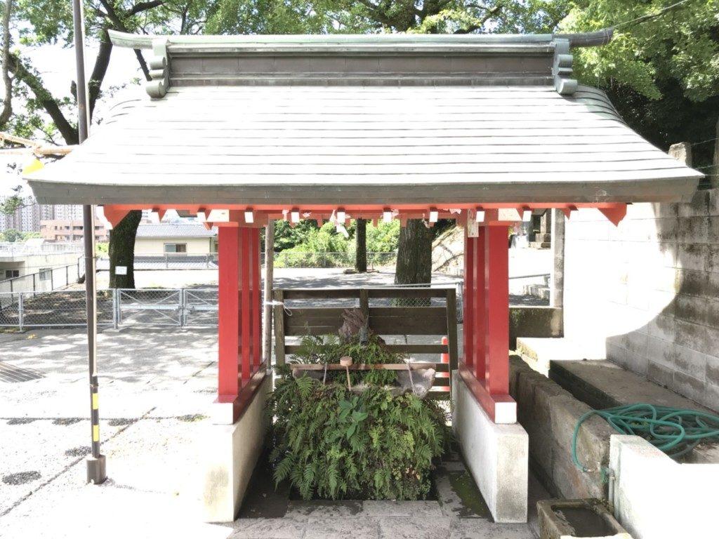 建部神社の手水舎