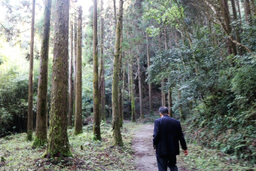 長野滝への道
