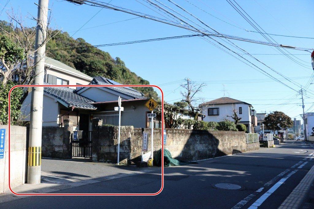 伊邇色神社への道