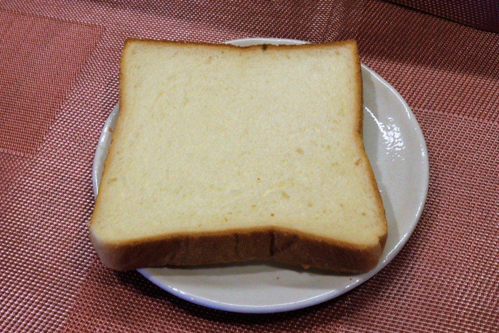 太田ベーカリーの食パン