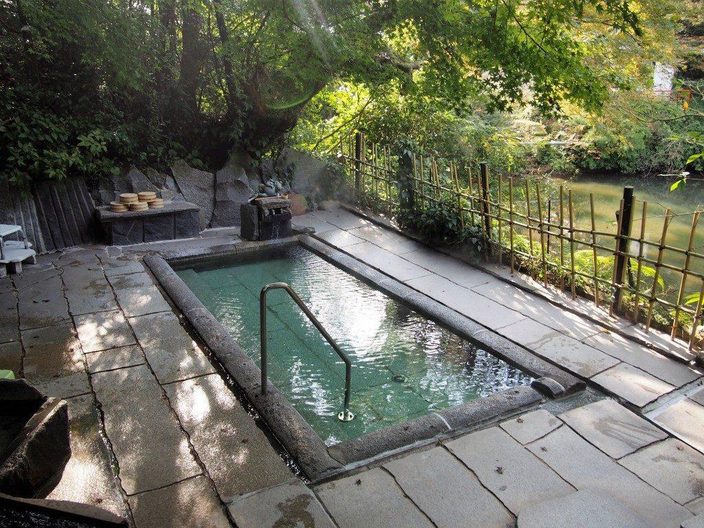 みどり荘の露天風呂