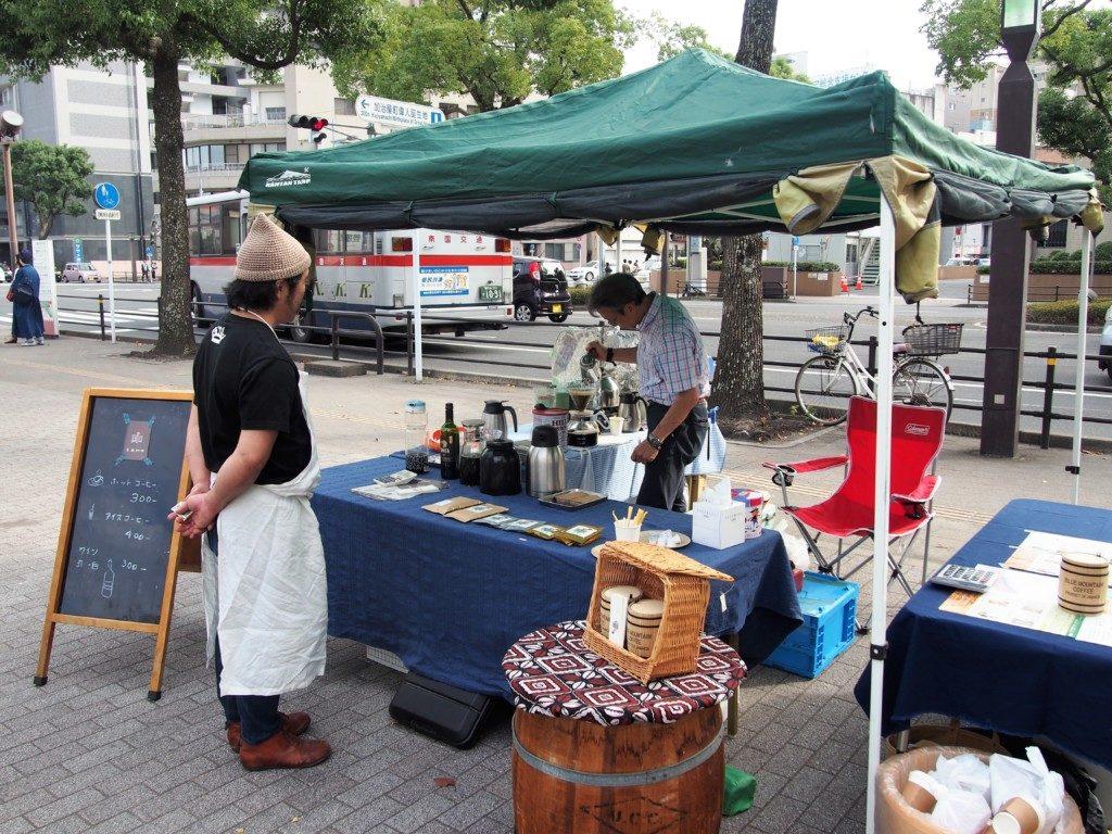 甲突川のリバーサイドマーケット