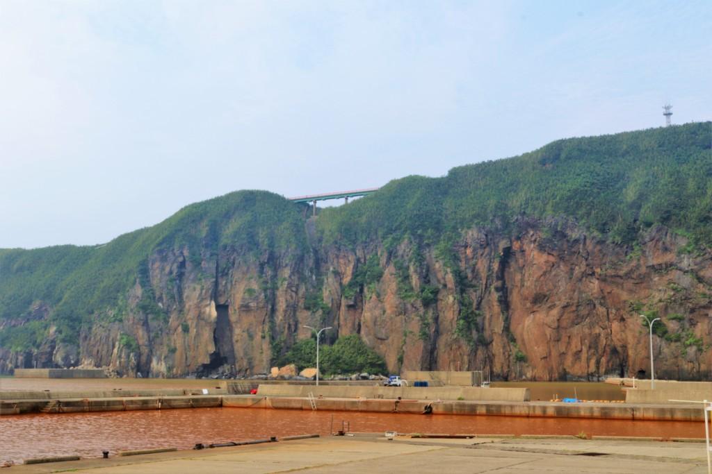 岬橋と硫黄島港