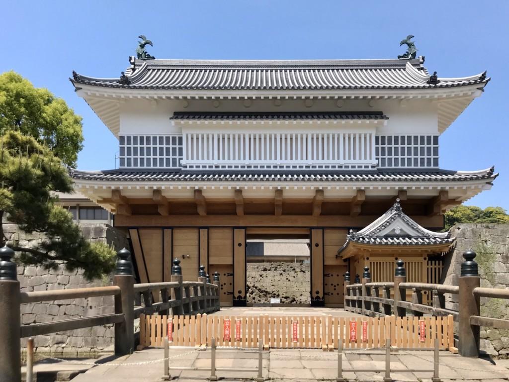鶴丸城御楼門