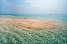 鹿児島県与論島の百合ヶ浜